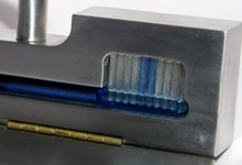 Solid aluminium toothbrush carriage case